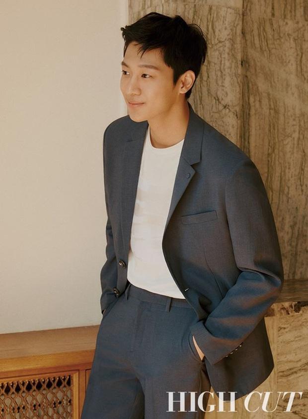 F4 Hạ cánh nơi anh tung bộ ảnh tạp chí lột xác bảnh xuất thần, chú ý nhất là visual của bản sao Kim Soo Hyun - Ảnh 3.
