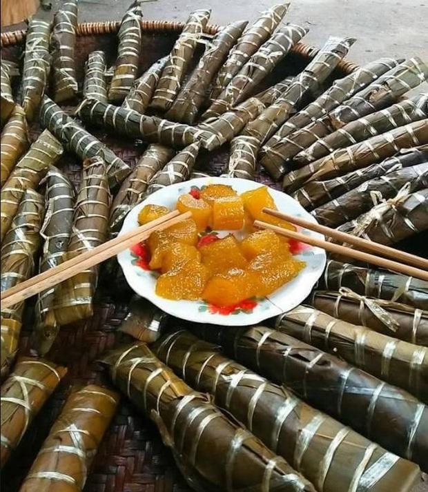 """Việt Nam có một món bánh """"nhầy nhầy"""" là đặc sản, nhiều người khi nhìn lại sẽ giật mình vì đã quên mất thức quà tuổi thơ này - Ảnh 1."""