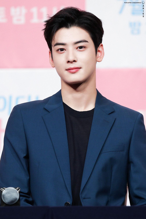 Bóc nhan sắc của dàn sao Hàn trên thực tế: V (BTS) - Suho (EXO) nổi là có lý do, mợ chảnh bỗng lộ diện giữa dàn idol - Ảnh 33.