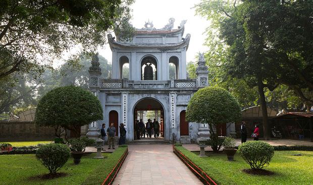 Cập nhật: Loạt tỉnh, thành phố du lịch Việt Nam ngừng đón du khách vì dịch Covid-19 - Ảnh 2.