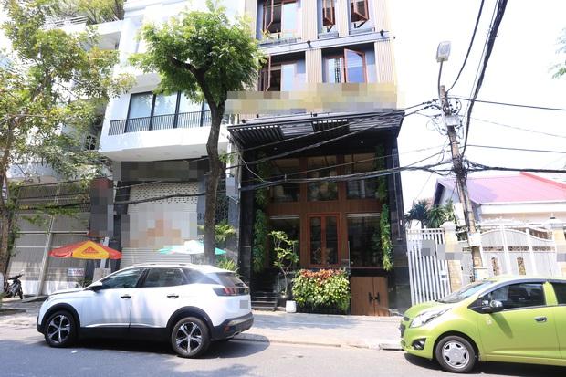 Ảnh: Nhiều cửa hàng, khách sạn ở Đà Nẵng đóng cửa vì có 2 du khách Anh nhiễm Covid-19 ghé thăm - Ảnh 7.
