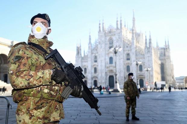 Bùng nổ Covid-19 cùng thời điểm lẫn quy mô, Italy và Hàn Quốc lại chênh lệch lớn về số người tử vong với cách chống dịch khác biệt - Ảnh 1.