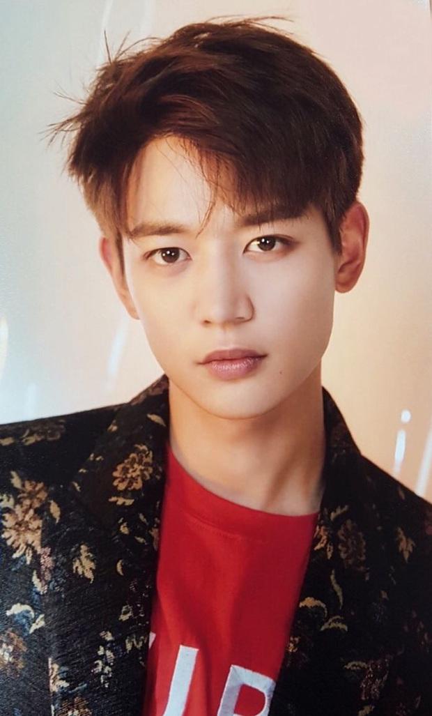 Bóc nhan sắc của dàn sao Hàn trên thực tế: V (BTS) - Suho (EXO) nổi là có lý do, mợ chảnh bỗng lộ diện giữa dàn idol - Ảnh 26.