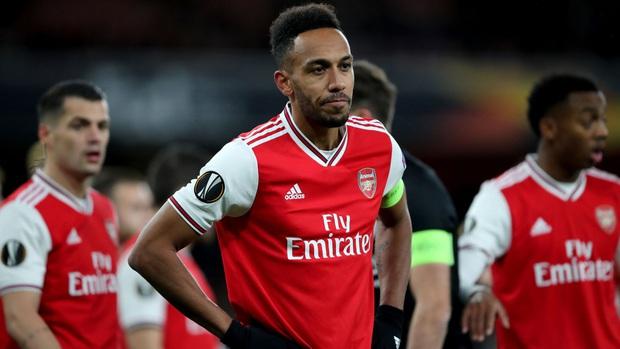 Nóng: HLV của Arsenal dương tính với Covid-19, đội phải đóng cửa khẩn cấp sân tập, tất cả các cầu thủ đều bị cách ly - Ảnh 2.