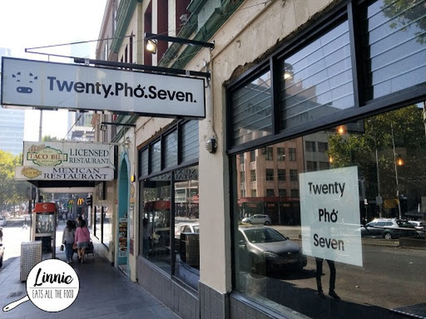 """Những biển hiệu """"biến hoá khôn lường"""" của các nhà hàng phở nước ngoài: Thế mới thấy phở Việt Nam được ưa chuộng trên thế giới như nào! - Ảnh 3."""