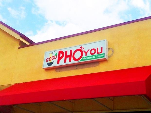 """Những biển hiệu """"biến hoá khôn lường"""" của các nhà hàng phở nước ngoài: Thế mới thấy phở Việt Nam được ưa chuộng trên thế giới như nào! - Ảnh 14."""