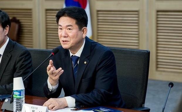 Sự nghiệp nữ chính trị gia trẻ Hàn Quốc có nguy cơ đổ sông đổ bể chỉ vì thuê người cày game - Ảnh 2.