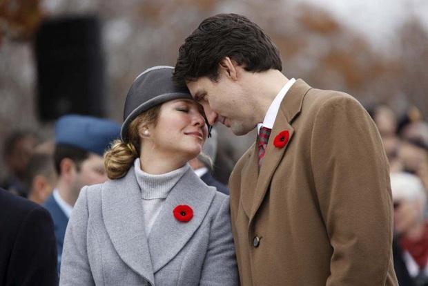 Phu nhân Thủ tướng Canada dương tính với virus SARS-CoV-2 - Ảnh 1.