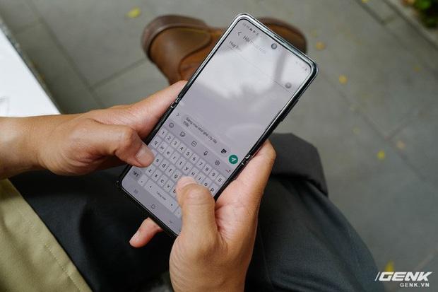 Galaxy Z Flip: Đàn ông sẽ thấy chiếc smartphone này hay ở chỗ nào? - Ảnh 9.