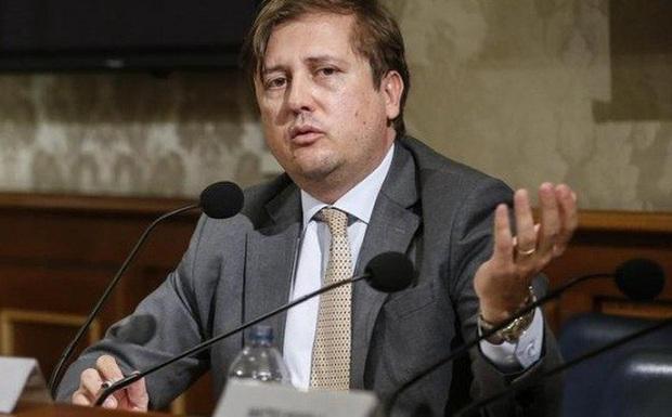 Thứ trưởng Bộ Y tế Italia dương tính với Covid-19, đã tự cách li tại nhà khi có triệu chứng - Ảnh 1.