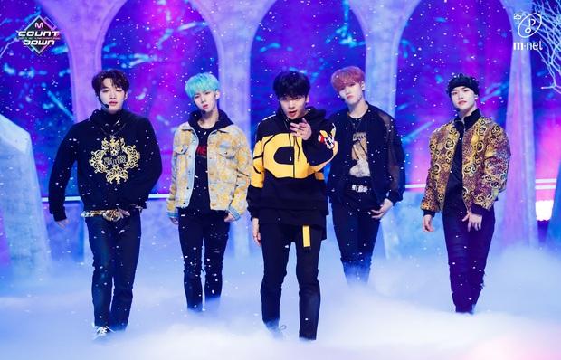 20 MV Kpop ra mắt năm 2020 nhiều like nhất: Tân binh YG hăm he nhóm SM lâu năm, 4 nghệ sĩ nữ lọt top 10 cũng không bằng idol ẵm trọn 4 hạng đầu - Ảnh 1.