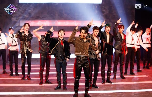20 MV Kpop ra mắt năm 2020 nhiều like nhất: Tân binh YG hăm he nhóm SM lâu năm, 4 nghệ sĩ nữ lọt top 10 cũng không bằng idol ẵm trọn 4 hạng đầu - Ảnh 3.