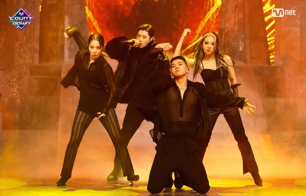 20 MV Kpop ra mắt năm 2020 nhiều like nhất: Tân binh YG hăm he nhóm SM lâu năm, 4 nghệ sĩ nữ lọt top 10 cũng không bằng idol ẵm trọn 4 hạng đầu - Ảnh 5.