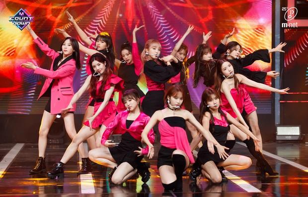 20 MV Kpop ra mắt năm 2020 nhiều like nhất: Tân binh YG hăm he nhóm SM lâu năm, 4 nghệ sĩ nữ lọt top 10 cũng không bằng idol ẵm trọn 4 hạng đầu - Ảnh 11.