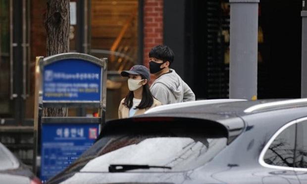 Chưa kịp công bố danh tính bạn trai bí ẩn, cựu thành viên Wonder Girls đã bị tung loạt ảnh hẹn hò vô cùng tình cảm - Ảnh 4.