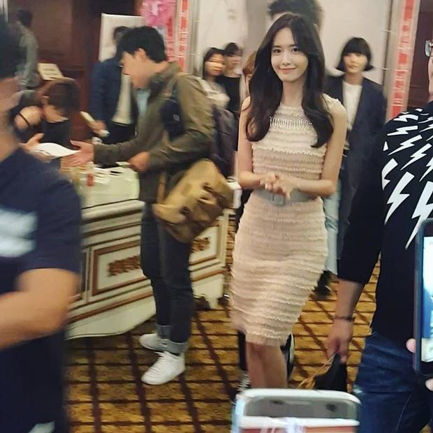Choáng vì bộ ảnh team qua đường chụp vội Yoona: Thần thánh đến độ nào mà cam thường cũng phải chịu thua? - Ảnh 13.