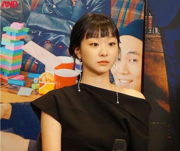 """Chơi khuyên tai dài thòng kén mặt, Kim Da Mi vẫn """"cân"""" được hết nhưng có một lần bị cộng tuổi thấy thương - Ảnh 2."""