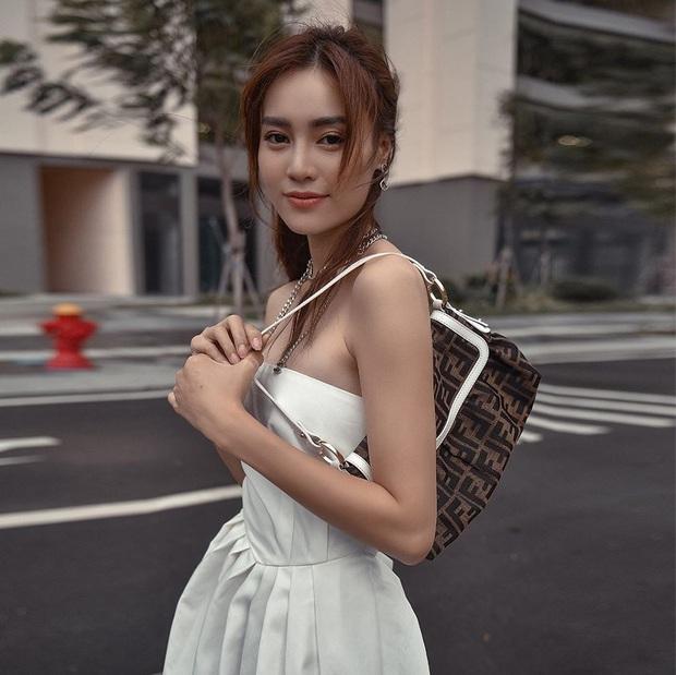 Style của Lan Ngọc rất thiếu những items kín cổng cao tường, thay vào đó là thật nhiều đồ hở vai sexy mà vẫn tinh tế - Ảnh 1.