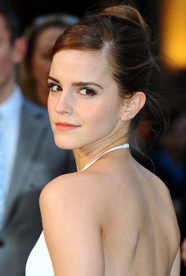 Bức ảnh chụp lướt Emma Watson gây sốt MXH: Công chúa Disney đích thực với nhan sắc cổ tích là đây chứ đâu - Ảnh 6.