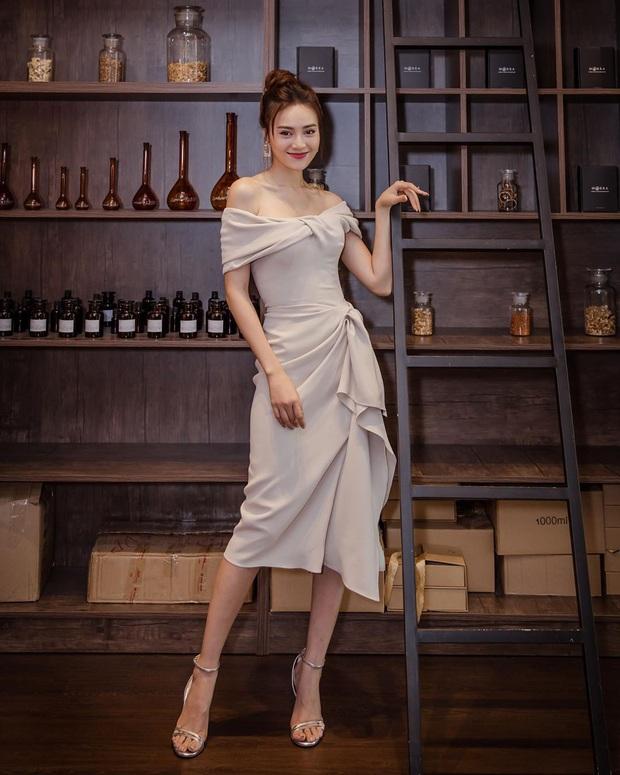 Style của Lan Ngọc rất thiếu những items kín cổng cao tường, thay vào đó là thật nhiều đồ hở vai sexy mà vẫn tinh tế - Ảnh 7.