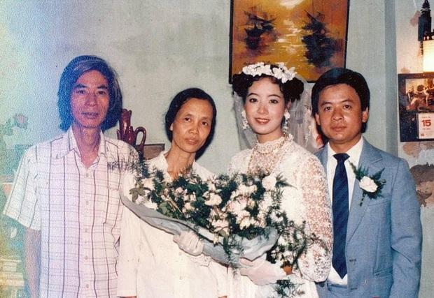 Nghệ sĩ Chiều Xuân đăng ảnh kỉ niệm 33 năm cưới, nhan sắc chuẩn đại mỹ nhân Vbiz khiến bố mẹ chúng ta xuýt xoa một thời - Ảnh 2.