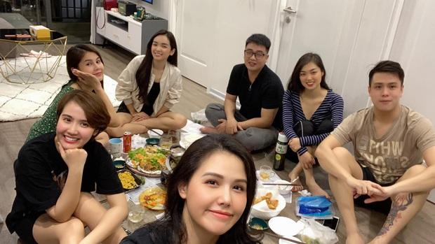 Phanh Lee, Huyền Lizzie, Thu Hoài lại gây sốt với nhan sắc đời thường khi tụ tập cùng hội bạn thân: U30 mà trẻ trung quá! - Ảnh 3.