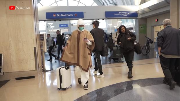 Cận cảnh quá trình lên đồ ra sân bay giữa mùa dịch của Naomi Campbell:  Giờ thì không ai nói tôi ngớ ngẩn nữa! - Ảnh 7.