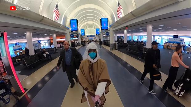 Cận cảnh quá trình lên đồ ra sân bay giữa mùa dịch của Naomi Campbell:  Giờ thì không ai nói tôi ngớ ngẩn nữa! - Ảnh 6.