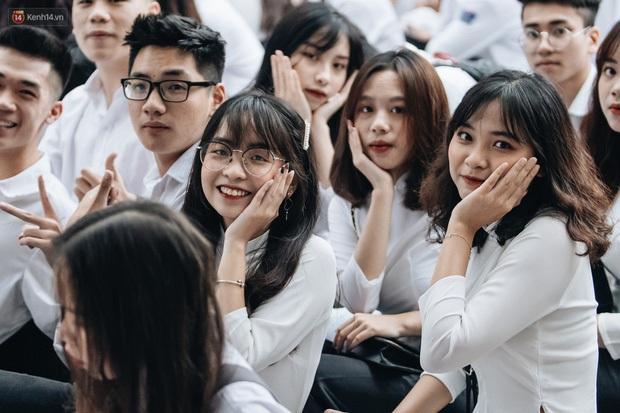 Sở GD-ĐT Hà Nội yêu cầu không được thu bất kỳ khoản tiền phí nào đối với học sinh, phụ huynh khi tổ chức dạy học trực tuyến - Ảnh 1.