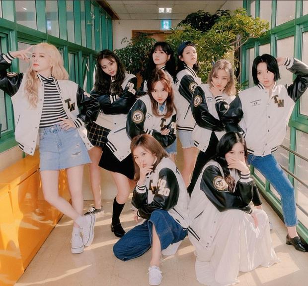 BXH 30 girlgroup gây xôn xao cả Kpop: Nhóm kém nổi lên No.1 nhờ lọt top Billboard, BLACKPINK - Red Velvet ngâm ngùi lùi về - Ảnh 10.