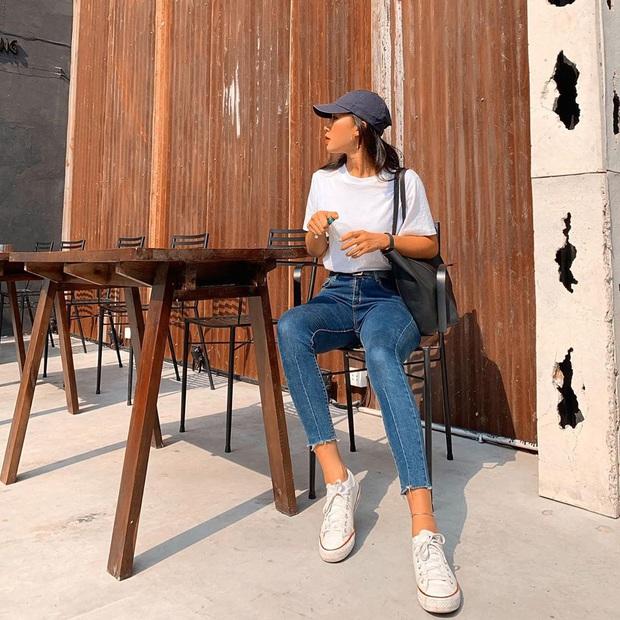 """Street style hội gái xinh mặc đẹp Instagram: Chỉ cần chân váy xinh hoặc quần """"hack dáng"""" là outfit đạt điểm 10 rồi - Ảnh 3."""