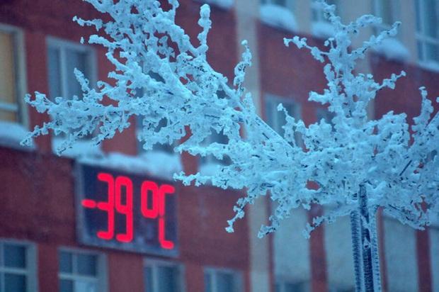 Cuộc sống khắc nghiệt ở Norilsk, nơi tách biệt với thế giới: Không chỉ có khí hậu lạnh giá mà còn là nơi ô nhiễm nhất hành tinh - Ảnh 2.