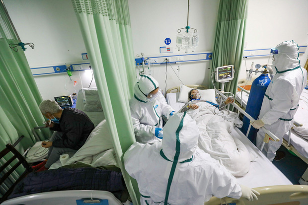 Bộ Y tế: Người cao tuổi kèm bệnh nền khi mắc COVID-19 có nguy cơ diễn biến nặng - Ảnh 1.