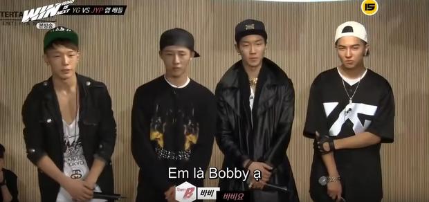 Đố bạn trả lời được câu hỏi của JYP khi xem bức hình này: Cậu bạn đội mũ tên gì ấy nhở? - Ảnh 2.
