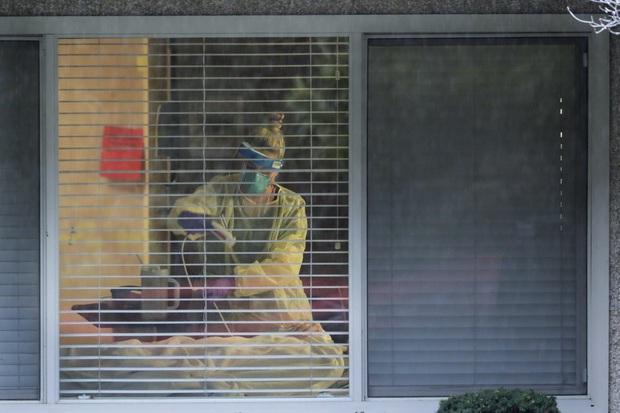 Người con có bố mắc kẹt trong ổ dịch Covid-19 ở viện dưỡng lão Mỹ: Ông ấy như một tù nhân, và nỗi cô đơn giết chết người ta chẳng kém gì virus - Ảnh 4.