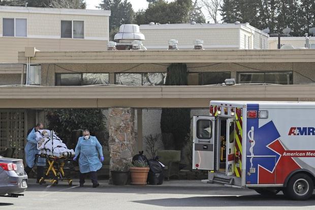 Người con có bố mắc kẹt trong ổ dịch Covid-19 ở viện dưỡng lão Mỹ: Ông ấy như một tù nhân, và nỗi cô đơn giết chết người ta chẳng kém gì virus - Ảnh 5.