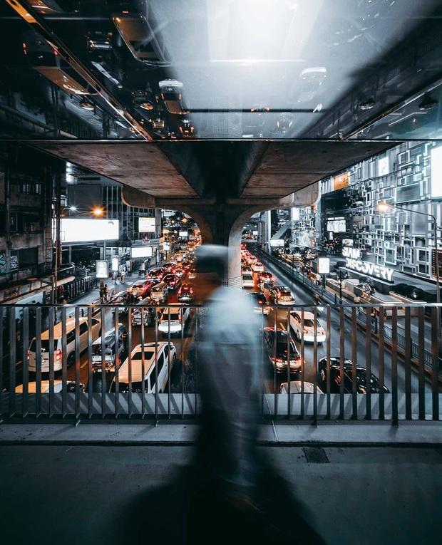 Khung cảnh vắng vẻ chưa từng thấy của đường phố Bangkok (Thái Lan) giữa đại dịch Covid-19 - Ảnh 2.