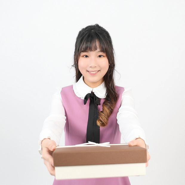 """Hội idol """"nhi đồng"""" trong các nhóm nhạc: Center của IZ*ONE debut năm 14 tuổi vẫn chưa gây sốc bằng thành viên sinh năm 2007 của boygroup nhà JYP - Ảnh 20."""
