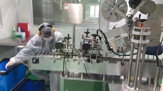 Hàn Quốc chế tạo hàng trăm ngàn kit thử virus corona trong 3 tuần thế nào? - Ảnh 4.