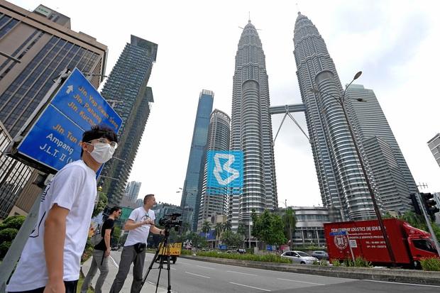 Malaysia phong tỏa toàn quốc sau khi có đến 553 người nhiễm Covid-19, trở thành ổ dịch lớn nhất Đông Nam Á - Ảnh 1.