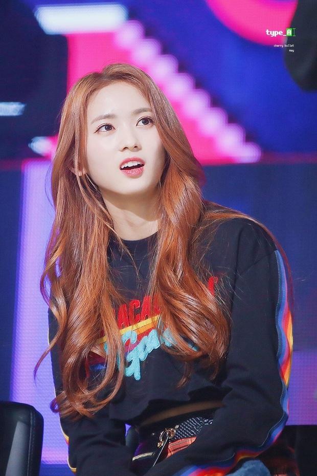 """Hội idol """"nhi đồng"""" trong các nhóm nhạc: Center của IZ*ONE debut năm 14 tuổi vẫn chưa gây sốc bằng thành viên sinh năm 2007 của boygroup nhà JYP - Ảnh 12."""