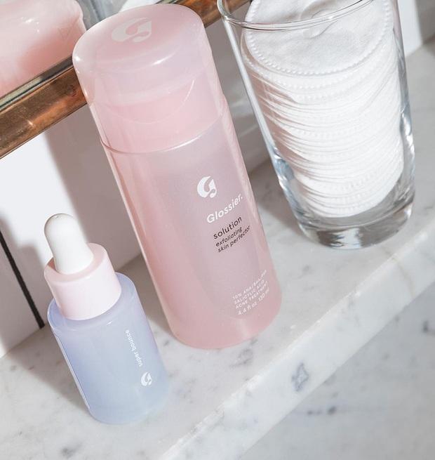 Phù phép làn da đẹp lên trông thấy, chẳng trách các BTV thử bao nhiêu món skincare cũng quay về với 6 sản phẩm sau - Ảnh 2.