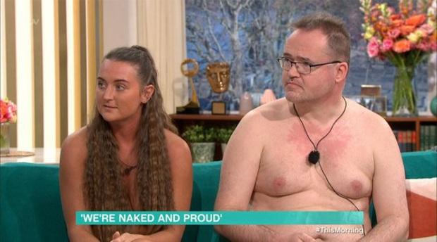 TV Show Anh gây choáng khi để khách mời khỏa thân hoàn toàn trên sóng truyền hình - Ảnh 3.
