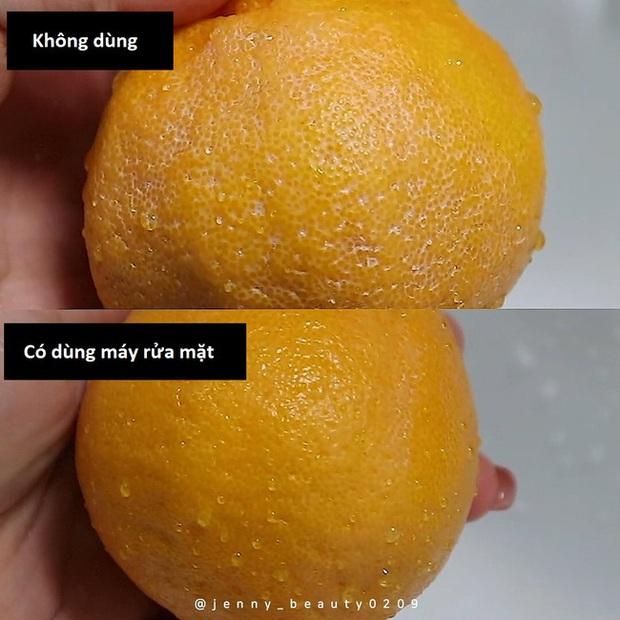 Thí nghiệm làm sạch bong kin kít vỏ cam sẽ khiến chị em muốn tậu ngay một chiếc máy rửa mặt để nâng cấp làn da - Ảnh 6.
