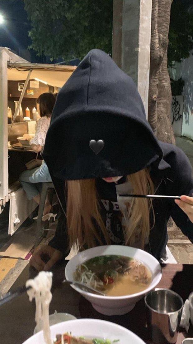 """Fan Việt truyền tay nhau bộ ảnh """"đi ăn tối nay cùng Rosé (BLACKPINK)"""" khắp Facebook: Cô bạn gái mà ai cũng muốn ở bên là đây! - Ảnh 12."""