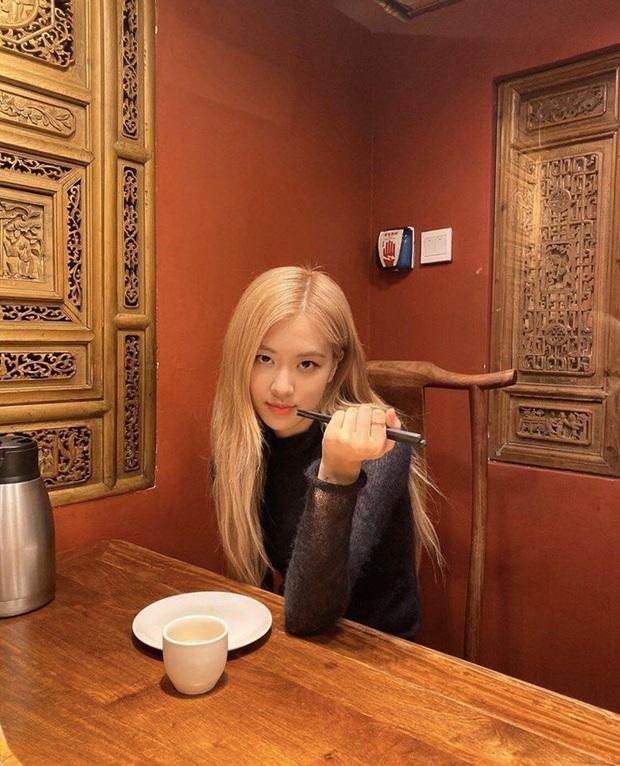 """Fan Việt truyền tay nhau bộ ảnh """"đi ăn tối nay cùng Rosé (BLACKPINK)"""" khắp Facebook: Cô bạn gái mà ai cũng muốn ở bên là đây! - Ảnh 6."""