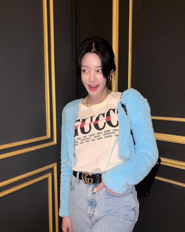 Mới sáng ra con gái Mama Chuê đã lên top Naver và hàng loạt đầu báo xứ Hàn, nhan sắc thế nào mà được chú ý đến vậy? - Ảnh 8.