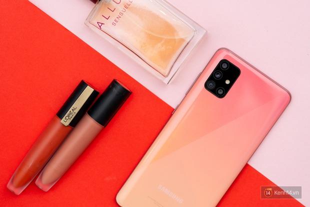 Cùng ngắm nghía smartphone mang màu sắc nữ tính nhất hiện nay - Ảnh 3.