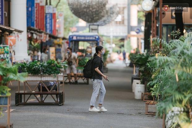 Nhiều điểm đến du lịch nổi tiếng nhất Sài Gòn đìu hiu vì vắng khách, chưa bao giờ thành phố nhộn nhịp lại khác lạ đến vậy - Ảnh 14.