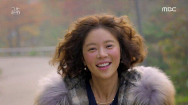 Nhờ sợi dây chuyền oan nghiệt, Kim Ji Won bỗng thành nữ chính đặc biệt nhất của Park Seo Joon, bứt phá hơn hẳn 3 cô còn lại - Ảnh 5.